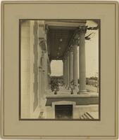 Scottish Rite Cathedral (Dallas, Tex.): exterior view of portico, side perspective